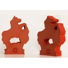 Figura Potro Roja.