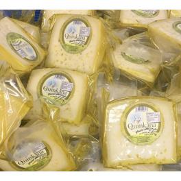 Cuña de un octavo de queso Quinkana semicurado en aceite de oliva