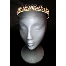 Corona de metal trenzado