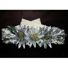 Cinturón beige, plata y flores